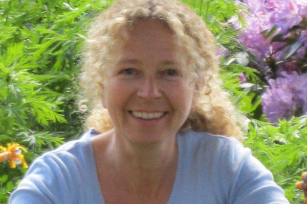 Osteopathie Esther Wörl - Ausbildung